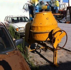 Betoneira torgar de 350 litros a diesel com motor robin dy 23