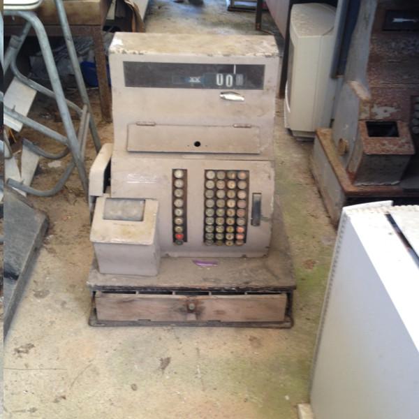 caixa-registadora-antiga-1